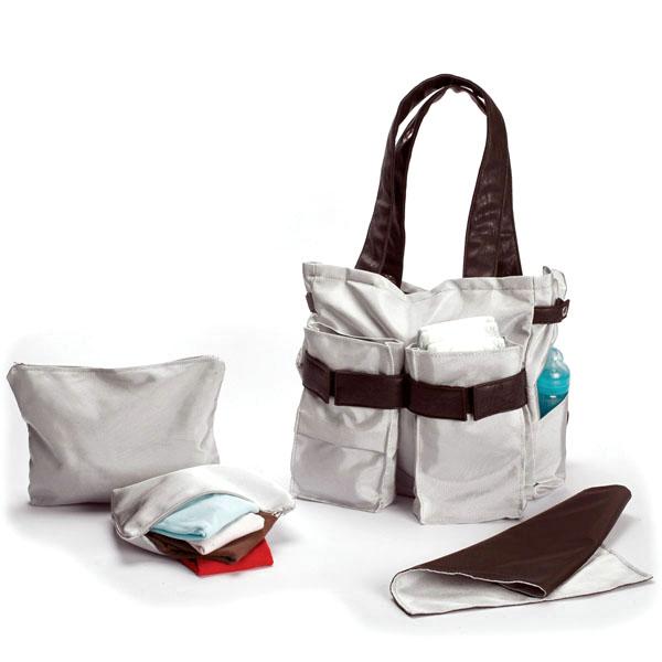 Универсалната чанта на Мама Ultimate diaper bag