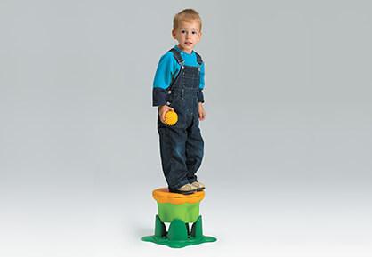 Kiddy Bin Stool - kid stand